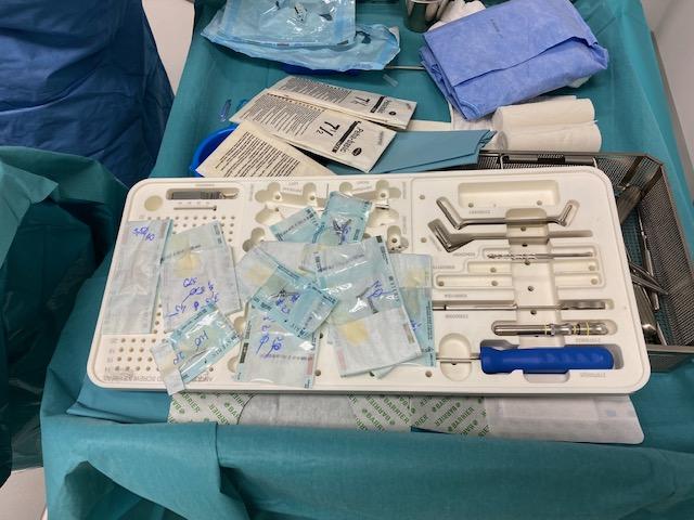 Baleseti sebészeti műtéthez orvosi eszközök
